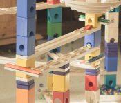Quadrilla – Eine tolle Murmelbahn aus Holz