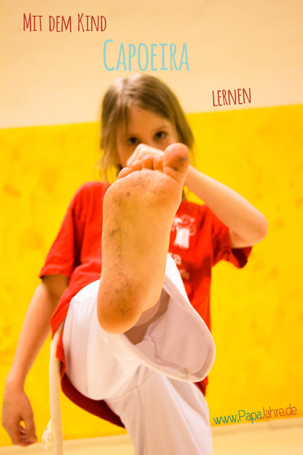 Titelbild Papa und Kind lernen Capoeira