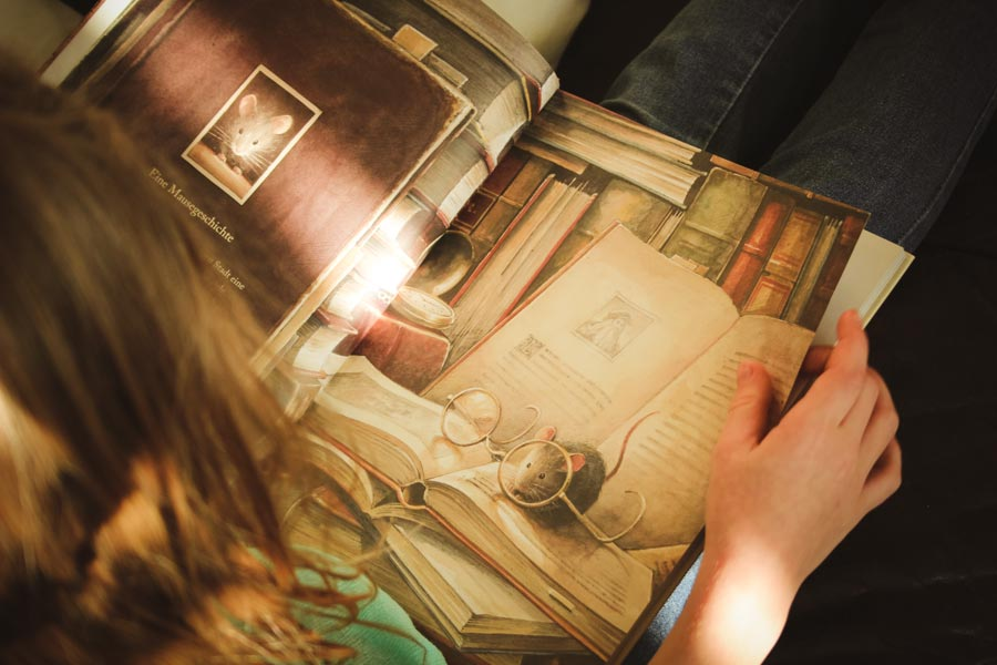 Kind liest Lindbergh fliegende Maus Kuhlmann Buch Empfehlung