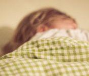 Hilfe, ich schlaf' unter einem Kind!