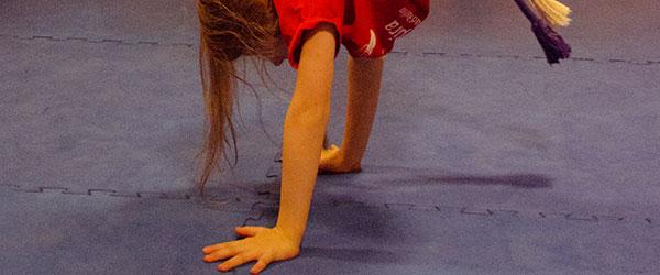 Eltern Kind Freizeit Capoeira Handstand Vorschau